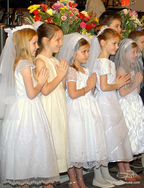 St John Bosco Academy, Girls Praying